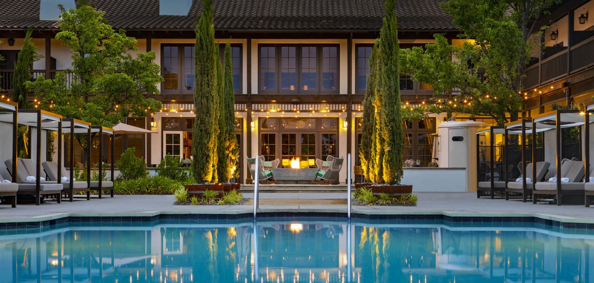 The large outdoor hotel pool at The Lodge at Sonoma